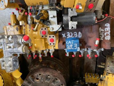 Caterpillar Distributeur hydraulique pour Caterpillar 323d en vente par Mori Onofrio di Mori Maria