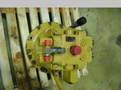 Moteur hydrauliques de rotation pour Caterpillar 312 en vente par PRV Ricambi Srl