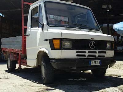 Mercedes-Benz 307 D en vente par Marconi & Figli M.M.T. Srl