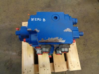 Distributeur hydraulique pour New Holland W 270 B en vente par PRV Ricambi Srl