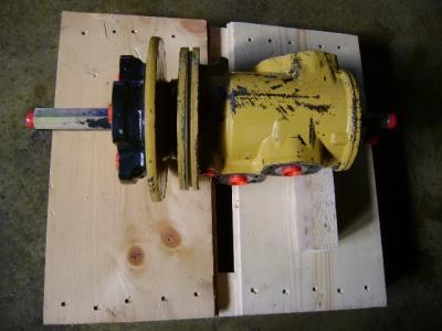 Joint tournant pour Caterpillar 325 B en vente par PRV Ricambi