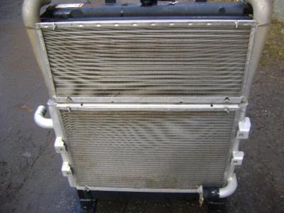 Radiateur huile pour Caterpillar 315C en vente par PRV Ricambi Srl