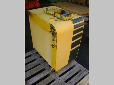 Komatsu Réservoir de carburant pour Komatsu PW 130 en vente par PRV Ricambi Srl