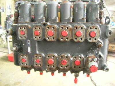 Distributeur hydraulique pour O&K MH Plus en vente par PRV Ricambi Srl