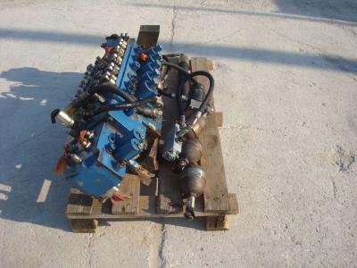 Distributeur hydraulique pour Fiat Hitachi 150W3 en vente par OLM 90 Srl