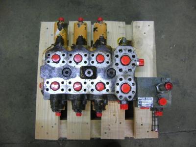 Distributeur hydraulique pour Case 1088 en vente par PRV Ricambi Srl