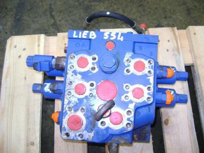 Distributeur hydraulique pour Liebherr 554 en vente par PRV Ricambi Srl