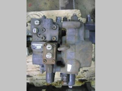 Distributeur hydraulique pour Volvo 210 B en vente par PRV Ricambi Srl