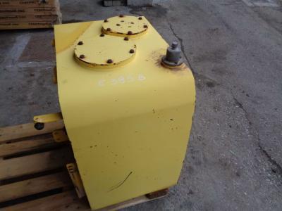 Réservoir de huile pour New Holland E 385 B en vente par PRV Ricambi Srl