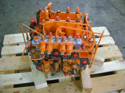 Distributeur hydraulique pour Fiat Hitachi Ex 285 en vente par PRV Ricambi Srl