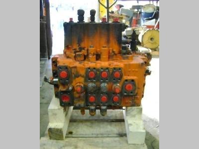 Distributeur hydraulique pour Fiat Hitachi FH 200.3 en vente par PRV Ricambi Srl