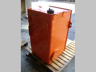 Réservoir de huile pour Fiat Hitachi W 230 en vente par PRV Ricambi Srl